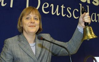 Merkel-4-cdu-leader-merkel-rings-the-bell-in-stuttgart_108