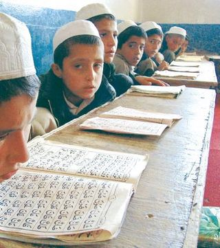 Afghan-minister-we-asked-turkey-to-build-imam-hatip-high-schools-in-afghanistan-2010-01-31_l